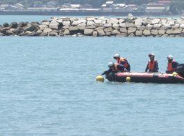 串本町の海水浴場で水難救助訓練写真03